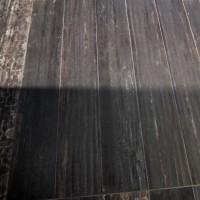 Tiles that look like wood - trends from Cersaie 2013 - Standing